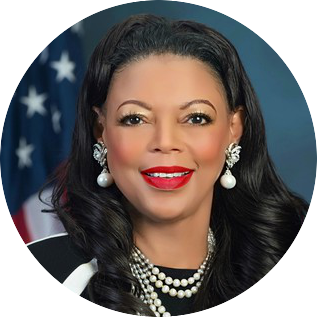 https://anysizedealsweek.com/wp-content/uploads/2020/07/Denise-Leggett.png