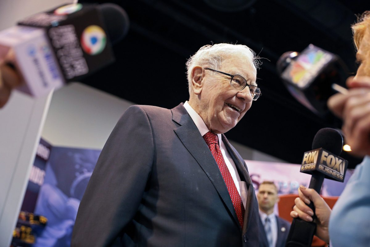 Warren-Buffett-1200x800.jpeg