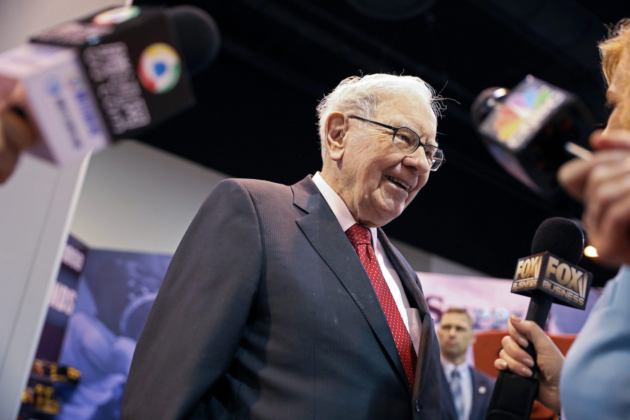 https://anysizedealsweek.com/wp-content/uploads/2020/09/Warren-Buffett-scaled.jpeg