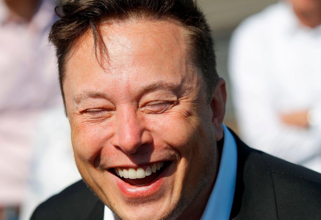 https://anysizedealsweek.com/wp-content/uploads/2020/11/Elon-Musk.jpeg
