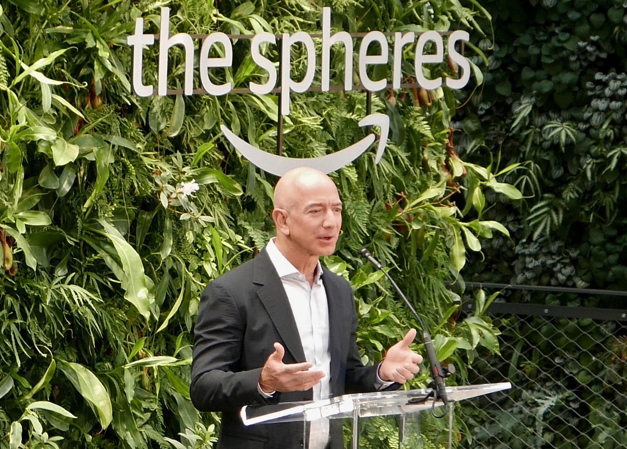 https://anysizedealsweek.com/wp-content/uploads/2020/11/Jeff-Bezos-1.jpg