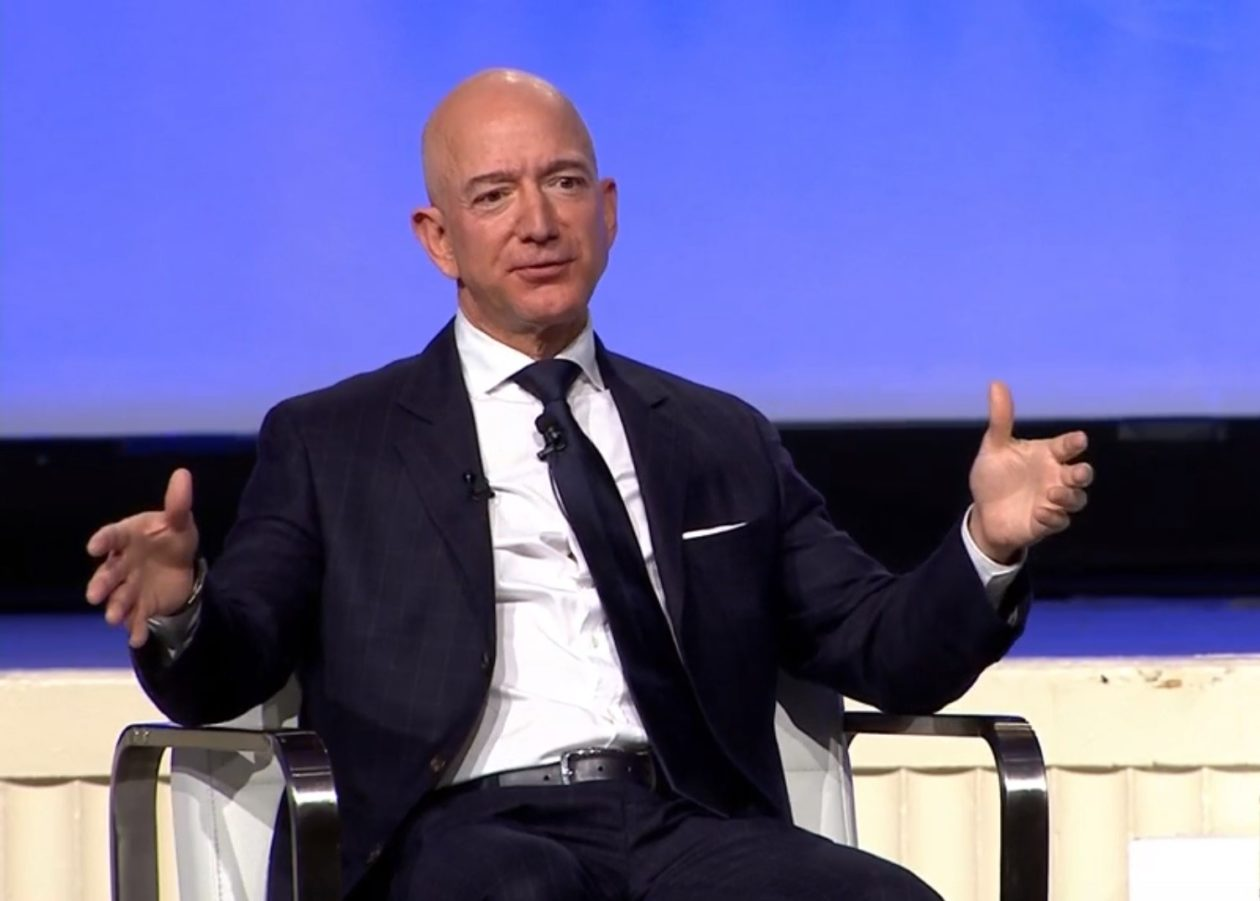 https://anysizedealsweek.com/wp-content/uploads/2021/01/Jeff-Bezos.jpg